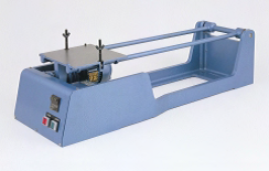 Motorized cement mortar flow table